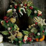 Новогодний венок на дверь или как сделать рождественские венки
