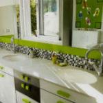 Впечатляющая зеленая ванная комната (много фото)