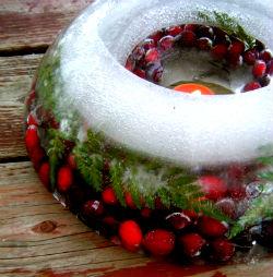 Новогодние украшения из льда.