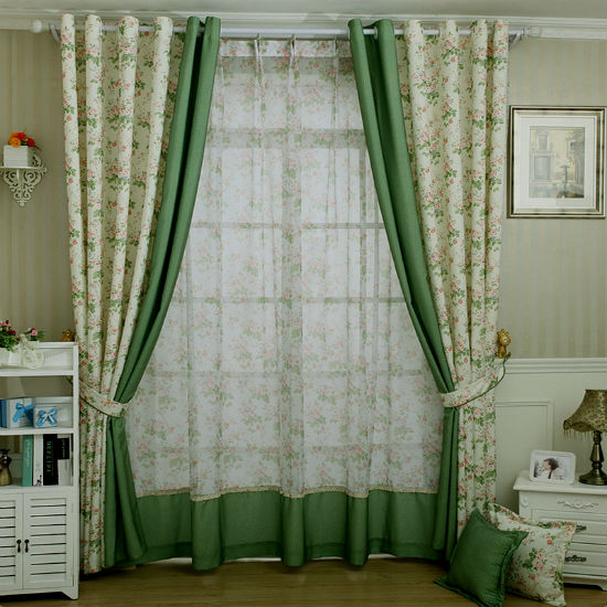 Зеленые шторы для кухни. Фото.