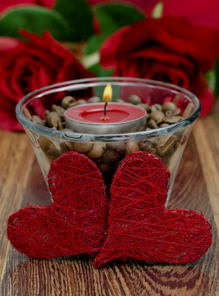 Валентинка из проволоки и ниток