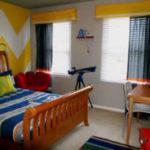 Яркие и модные шторы в детскую для мальчика. Более 40 фото