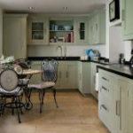Кухня с черной столешницей. 60+ фото интерьеров
