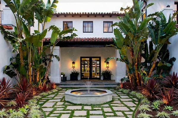 Дом в испанском стиле, фото.