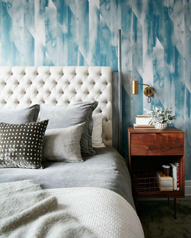 Уютная квартира в Нью-Йорке со стильными обоями на стенах