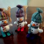 Как сделать снеговика из пенопластовых шаров — быстрый и простой способ