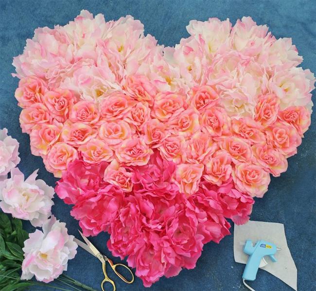Как сделать объемное сердце из цветов на День Святого Валентина