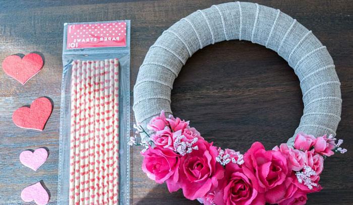 Декоративный венок на День Святого Валентина своими руками (мастер-класс)