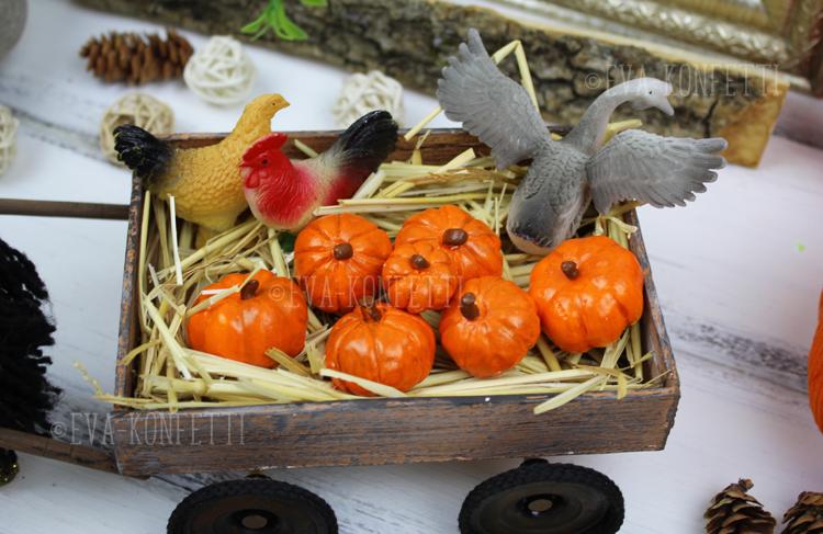 Осенний декор: поделка - лошадь с тыквами в телеге своими руками